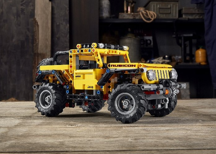 Legendary brand JEEP becomes a LEGO toy